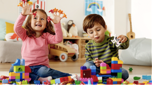 kids-with-duplo