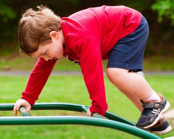 kids-play-adhd-120524